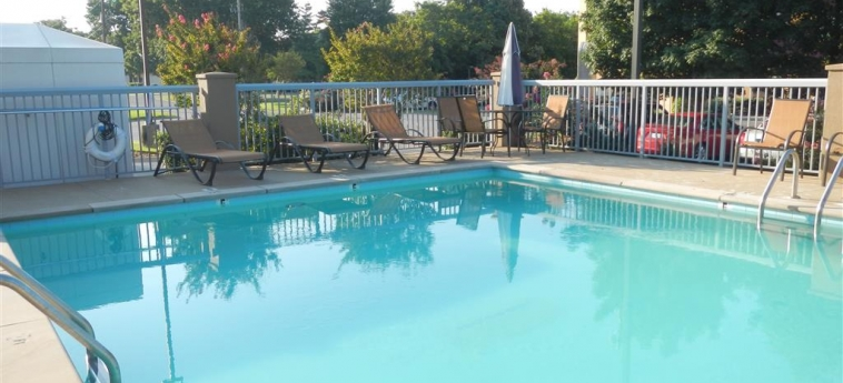 Hotel Best Western Suites Near Opryland: Swimming Pool NASHVILLE (TN)