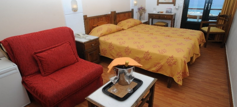 Hotel Coronis: Chambre NAXOS