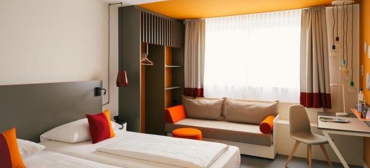 Vienna House Easy Neckarsulm: Chambre jumeau NECKARSULM