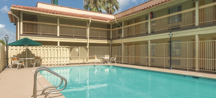 Hotel La Quinta Inn New Orleans Causeway: Schwimmbad NEW ORLEANS (LA)