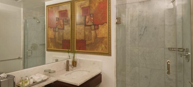 Carvi Hotel New York: Bathroom NEW YORK (NY)