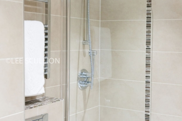 Quality Hotel Boldon: Doccia in bagno NEWCASTLE UPON TYNE