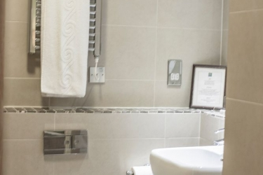 Quality Hotel Boldon: Badezimmer NEWCASTLE UPON TYNE