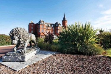Hotel Slieve Donard Resort & Spa: Terreno della proprietà NEWCASTLE