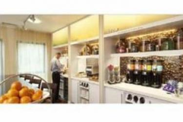 Hotel Hampton By Hilton Newport East: Breakfast Room NEWPORT