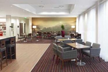 Hotel Hampton By Hilton Newport East: Exterior NEWPORT