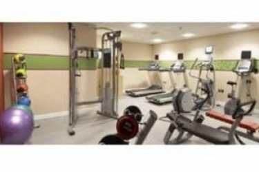 Hotel Hampton By Hilton Newport East: Gym NEWPORT
