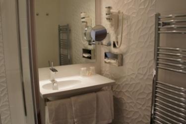Hotel Ambassador: Bathroom NICE