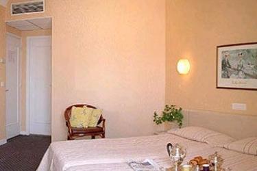 Hotel Ambassador: Room - Guest NICE