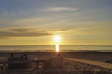 The Flying Pig Beach Hostel: Spiaggia NOORDWIJK AAN ZEE