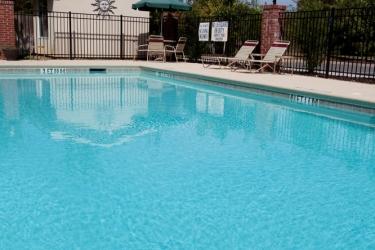 Hotel Holiday Inn Express & Suites Charleston-North: Piscine extérieure NORTH CHARLESTON (SC)