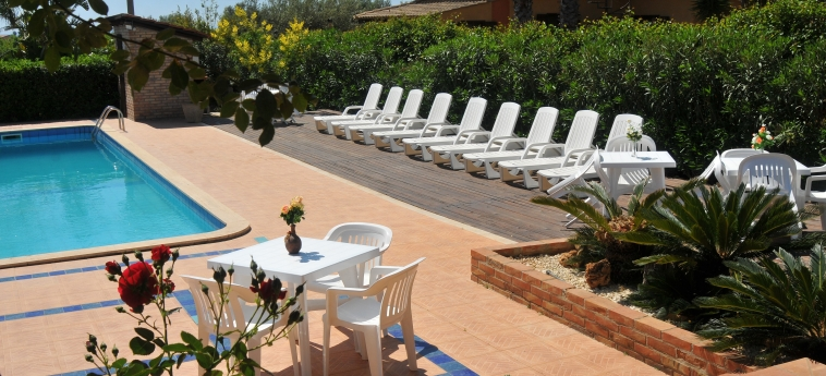 Hotel B&b Mandorleto Resort By Morfeo: Solarium NOTO - SYRAKUS