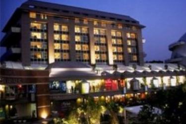 Svelte Hotel & Personal Suites: Esterno NUOVA DELHI