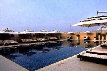 Svelte Hotel & Personal Suites: Piscina Esterna NUOVA DELHI