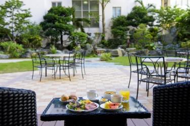 Naha Central Hotel: Outdoor Dining OKINAWA ISLANDS - OKINAWA PREFECTURE