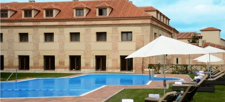 Hotel Castilla Termal Balneario De Olmedo: Piscina Exterior OLMEDO