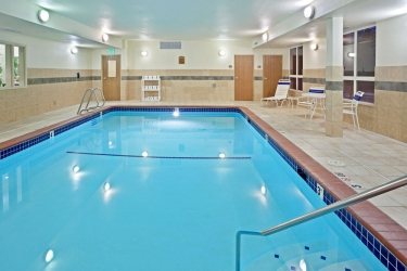 Holiday Inn Express Hotel & Suites Lacey: Piscine chauffée OLYMPIA (WA)