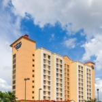 Hotel Holiday Inn Express Nearest Universal Orlando