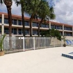 Hotel Palm Square Belle Isle