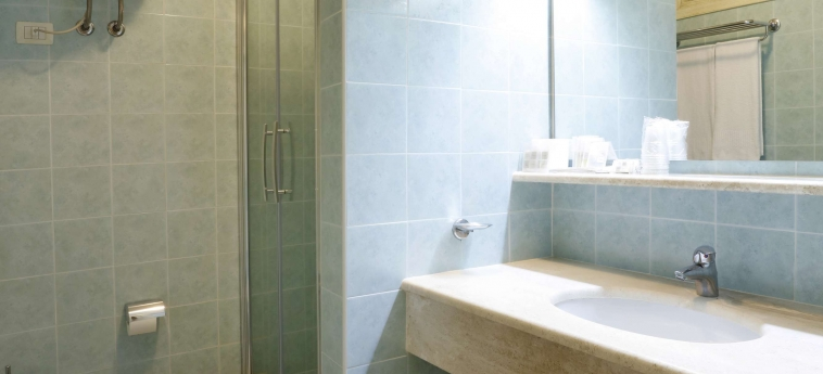 Hotel Residence Il Borgo: Salle de Bains OROSEI - NUORO