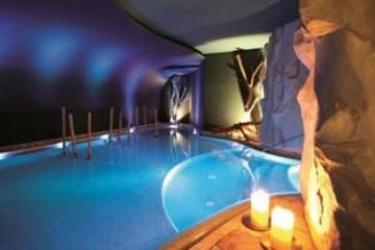 Hotel Adler Dolomiti Spa & Sport Resort: Fassade ORTISEI - BOZEN