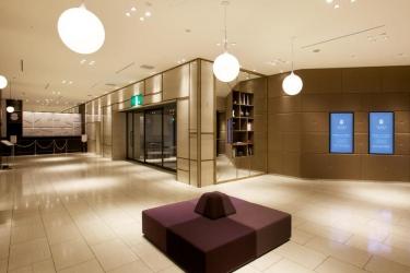 Moriguchi Royal Pines Hotel: Lobby OSAKA - PREFETTURA DI OSAKA