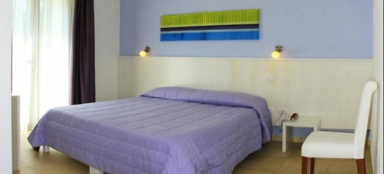 Corte Dei Melograni Hotel Resort: Schlafzimmer OTRANTO - LECCE