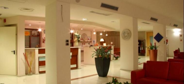 Hotel Albania: Hotelhalle OTRANTO - LECCE