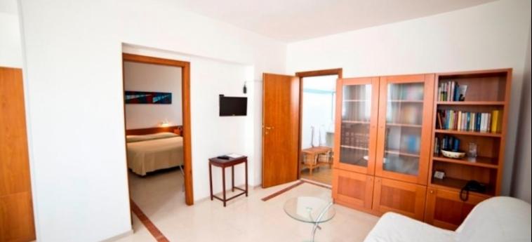 Hotel Albania: Vierbett- Zimmer OTRANTO - LECCE