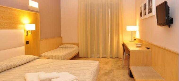 Basiliani - Cdshotels: Camera Tripla OTRANTO - LECCE