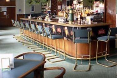 Embassy Hotel & Suites: Bar OTTAWA