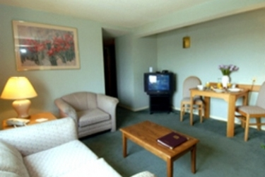 Best Western Barons Hotel & Conference Center: Suite Room OTTAWA