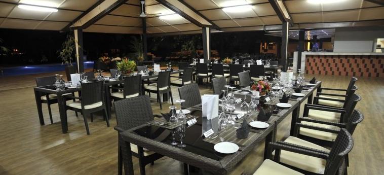 Hotel Sopatel Silmande: Restaurant Exterior OUAGADOUGOU