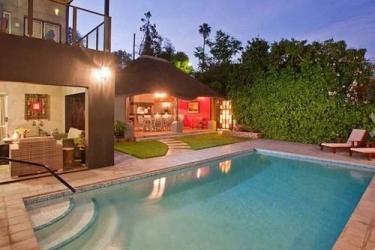 Miles B&b Guesthouse: Aussen Pool OUDTSHOORN