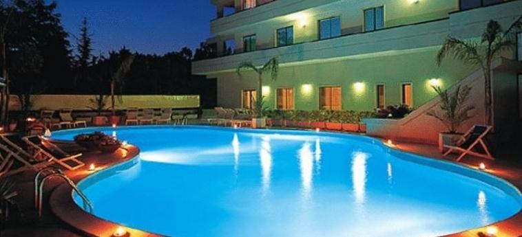 Hotel Clorinda: Außenschwimmbad PAESTUM - SALERNO