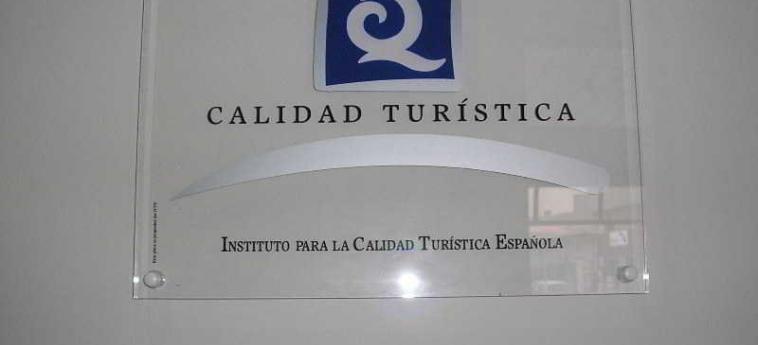 Hotel Don Carlos: Exterieur PAMPLONA