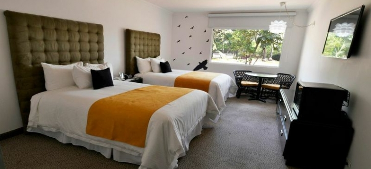 Riande Aeropuerto Hotel & Casino: Gastzimmer Blick PANAMA-STADT