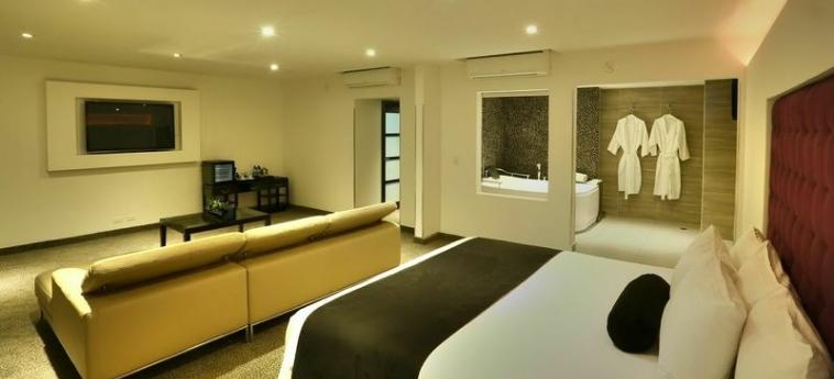 Riande Aeropuerto Hotel & Casino: Zimmer Groß Deluxe PANAMA-STADT