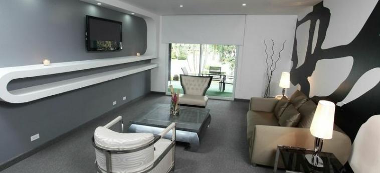 Riande Aeropuerto Hotel & Casino: Zimmer Suite PANAMA-STADT