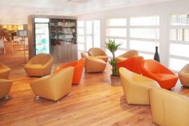 Hotel Residhome Roissy Village: Lobby PARIGI - AEROPORTO CDG