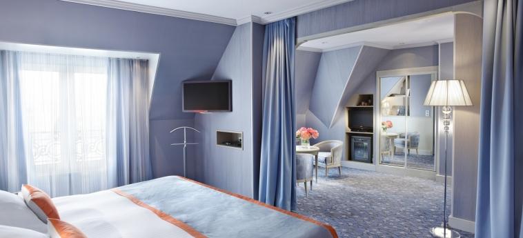 Hotel Rochester Champs Elysees: Camera Matrimoniale/Doppia PARIGI