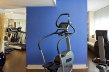 Sheraton Paris Airport Hotel & Conference Centre: Salle de Gym PARIS - AEROPORT CDG