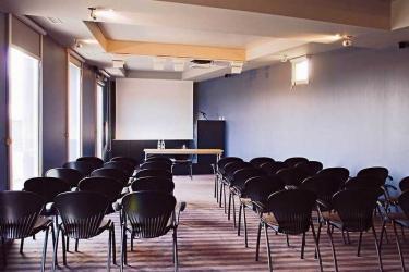 Standing Hotel Suites By Actisource: Salle de Conférences PARIS - AEROPORT CDG