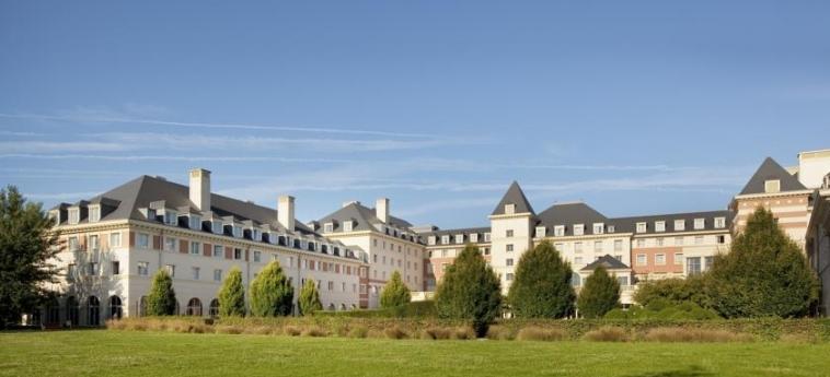 Vienna House Dream Castle: Extérieur PARIS - DISNEYLAND PARIS