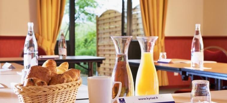 Hotel Campanile Val De France: Breakfast PARIS - DISNEYLAND PARIS
