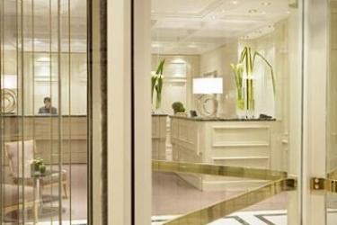 Renaissance Paris Hotel Le Parc Trocadero: Lobby PARIS