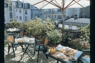 Hotel 7 Eiffel: Terraza PARIS