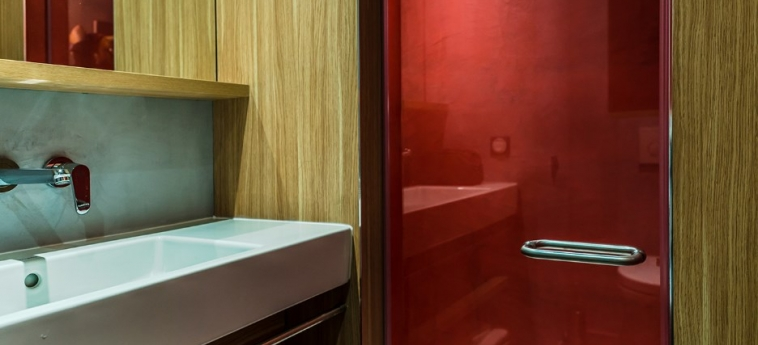 Hotel Yooma Urban Lodge: Schreibtisch PARIS