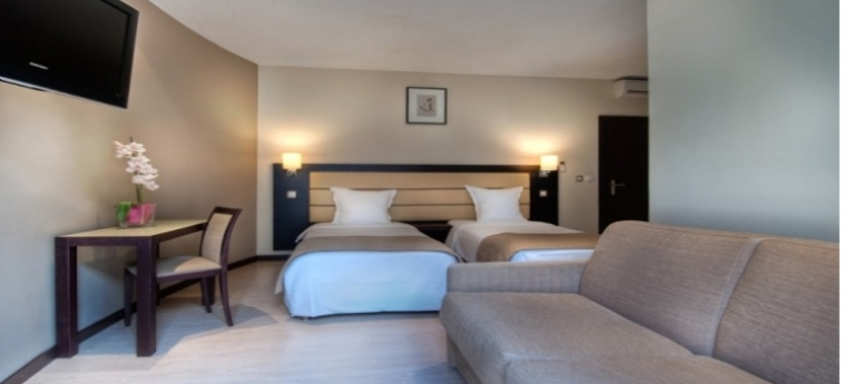 Sure Hotel By Best Western Paris Gare Du Nord: Chambre Family PARIS