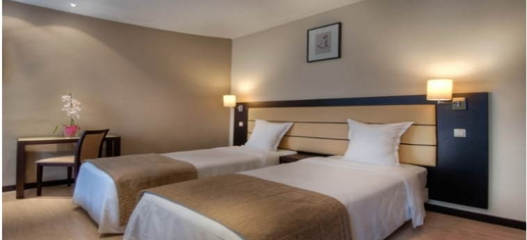 Sure Hotel By Best Western Paris Gare Du Nord: Chambre jumeau PARIS